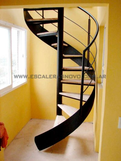 Las 25+ mejores ideas sobre Escalera helicoidal en Pinterest | Escaleras circulares, Escaleras ...