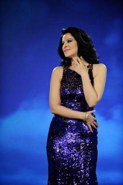 romanian opera singer Angela Gheorghiu   ♬ Musique :xxxxx ♬ ♬ ♬   Pinterest   Opera singer ...