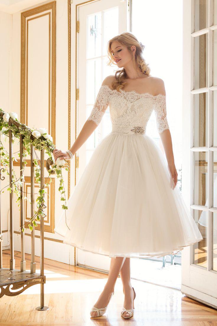 courthouse wedding dress dress for a wedding This short dress wedding dress is perfect for a vintage garden wedding