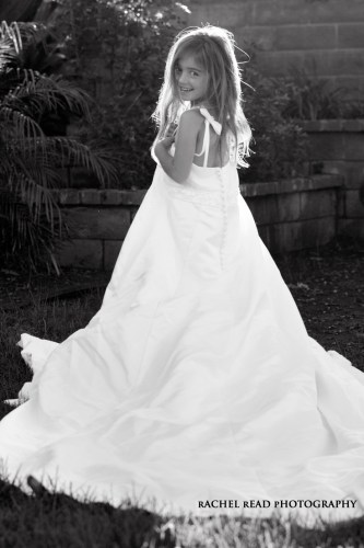 daughter in moms wedding dress mom's wedding dress your daughter wearing your wedding dress www rachelreadphotography com