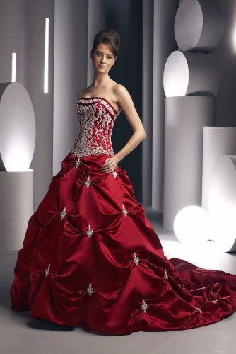 wedding dresses with color wedding dresses with color Wearing a Red wedding dress is the newest global rage The color is irresistible