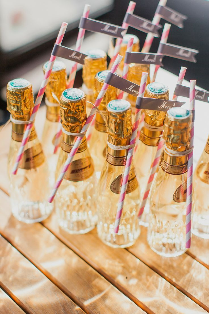 champagne wedding favors wedding favor 11 Super Creative Wedding Favor Ideas