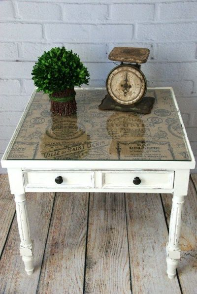 Burlap Topped Side Table | Chalk paint and Tabletop