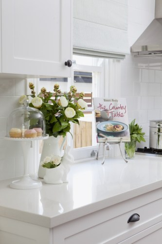 white quartz white kitchen countertops The 25 best ideas about White Quartz on Pinterest White kitchen decor Kitchen countertop decor and Countertop decor