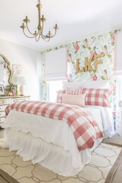 17 Best ideas about Pink And Gold Wallpaper on Pinterest | Princess nursery, iPhone wallpapers ...