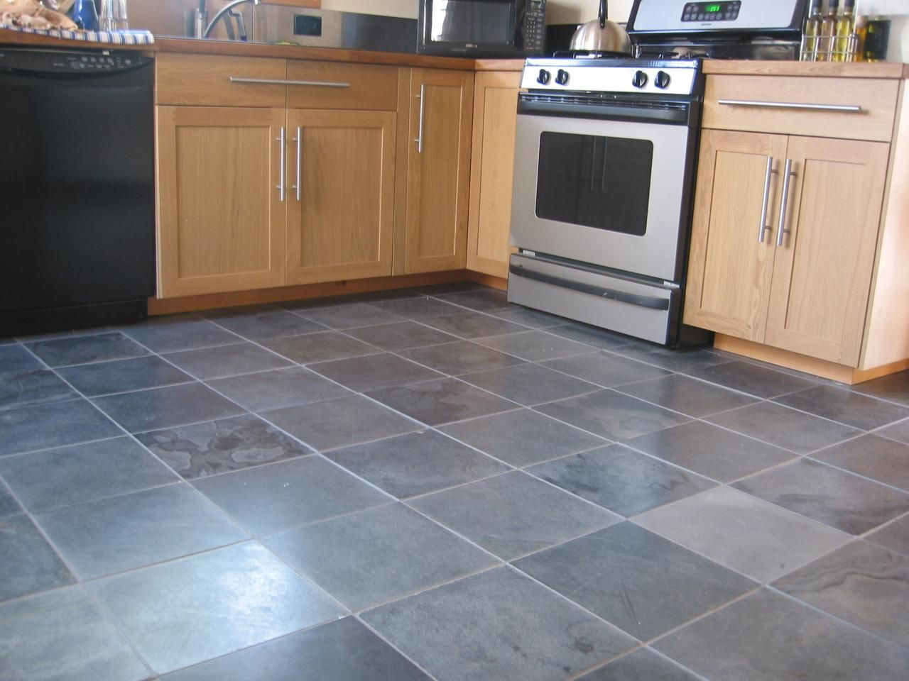 gray kitchen floor gray kitchen floor Slate Floor Tiles Kitchen Amazing Decoration Decorating Ideas This Gray tile flooring will be