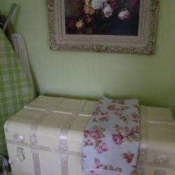 K 4 Maison Decor My Pistachio and Pink Workroom an Antique Trunk