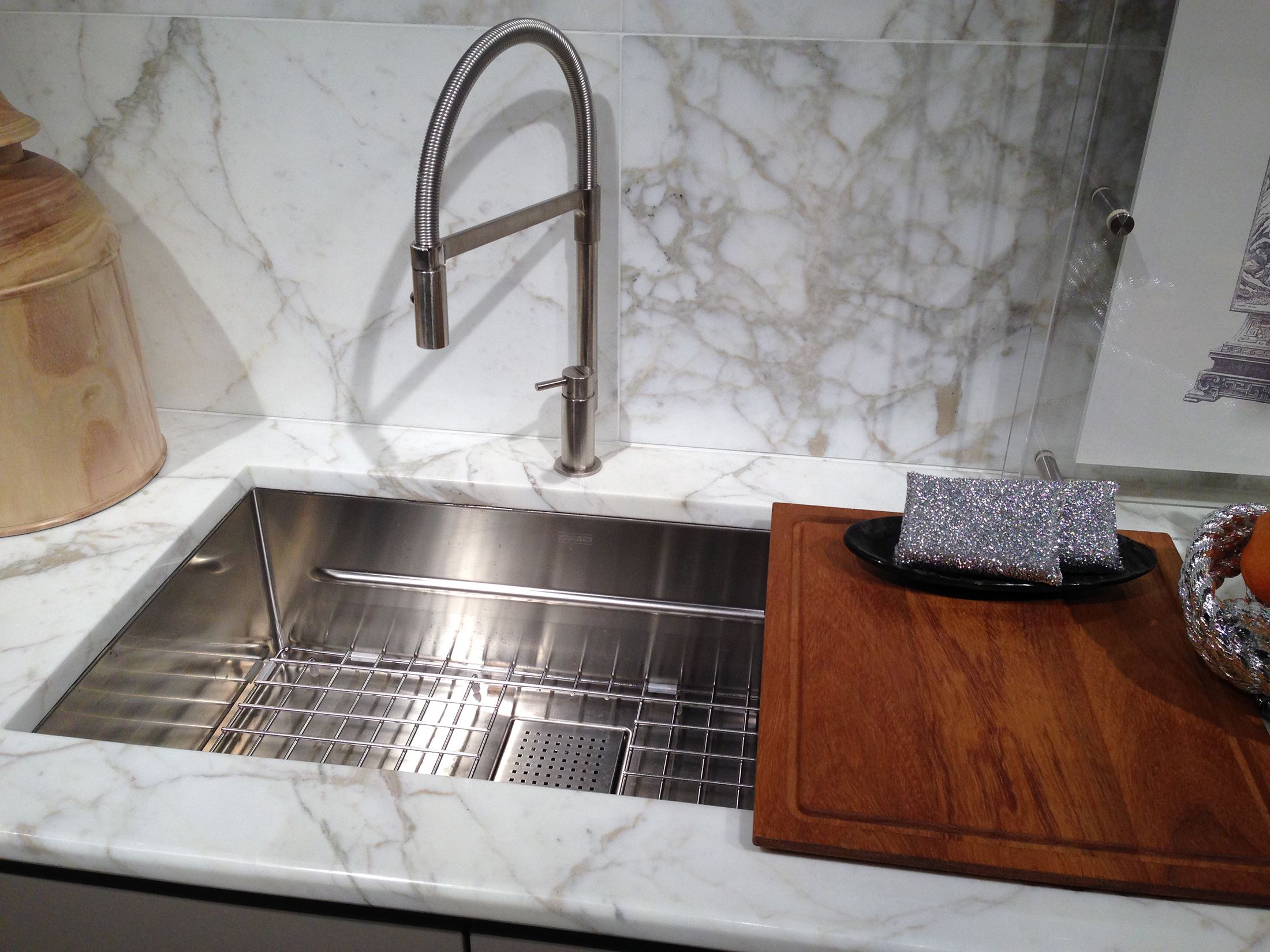 franke authorized showrooms chicago kitchen faucets Franke Peak sink shown with cutting board and bottom grid and NEW pull down faucet in chrome on display in Markison Birch Showroom Chicago IL