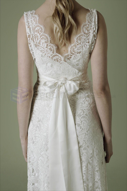 lace vintage wedding dress Vintage Lace Wedding Dresses Lace Ivory Crossover Bodice Deep V Neckline Vintage