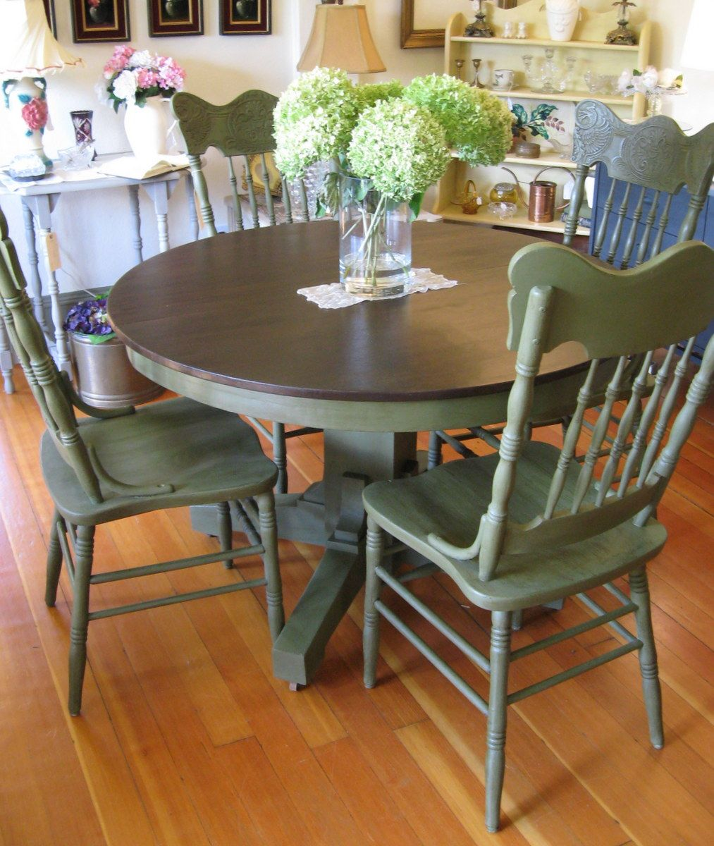 painting kitchen table The 4 Biggest Mistakes People Make When Painting Their Kitchen Table Table and chairs Furniture and Breakfast nooks