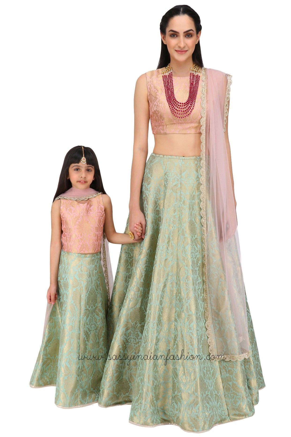 mothers dresses for weddings 9 Cool Mother Daughter Matching Outfit Ideas