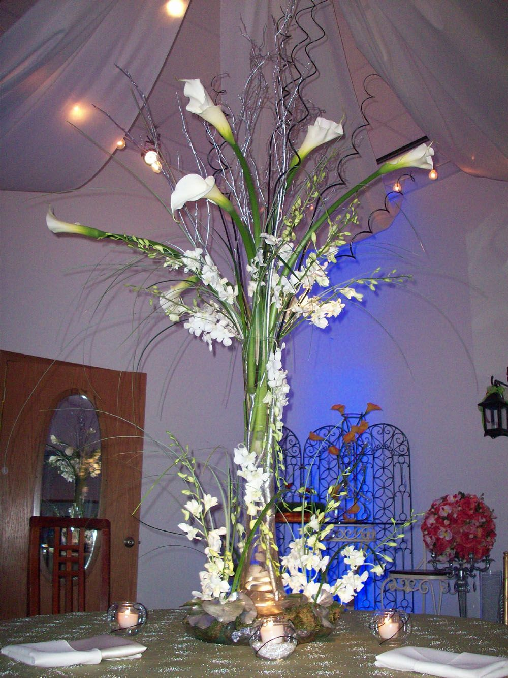 tall wedding centerpieces Beautiful calla lily centerpieces for your wedding Great calla lily centerpieces pictures to inspire you on your wedding day From h