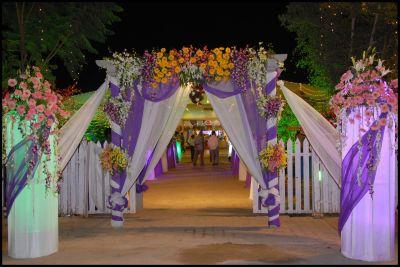 Wedding Flower Gate Decoration http://whatstrendingonline ...