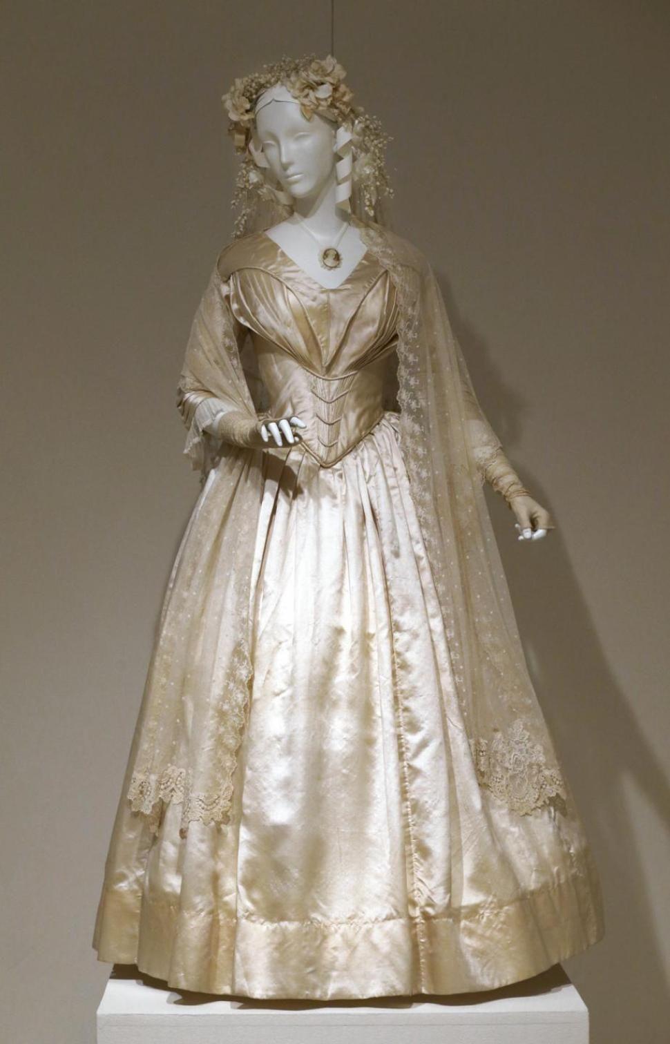 wedding dress Vintage Wedding Dresses s Design Basic 9 On Cake Wedding Ideas