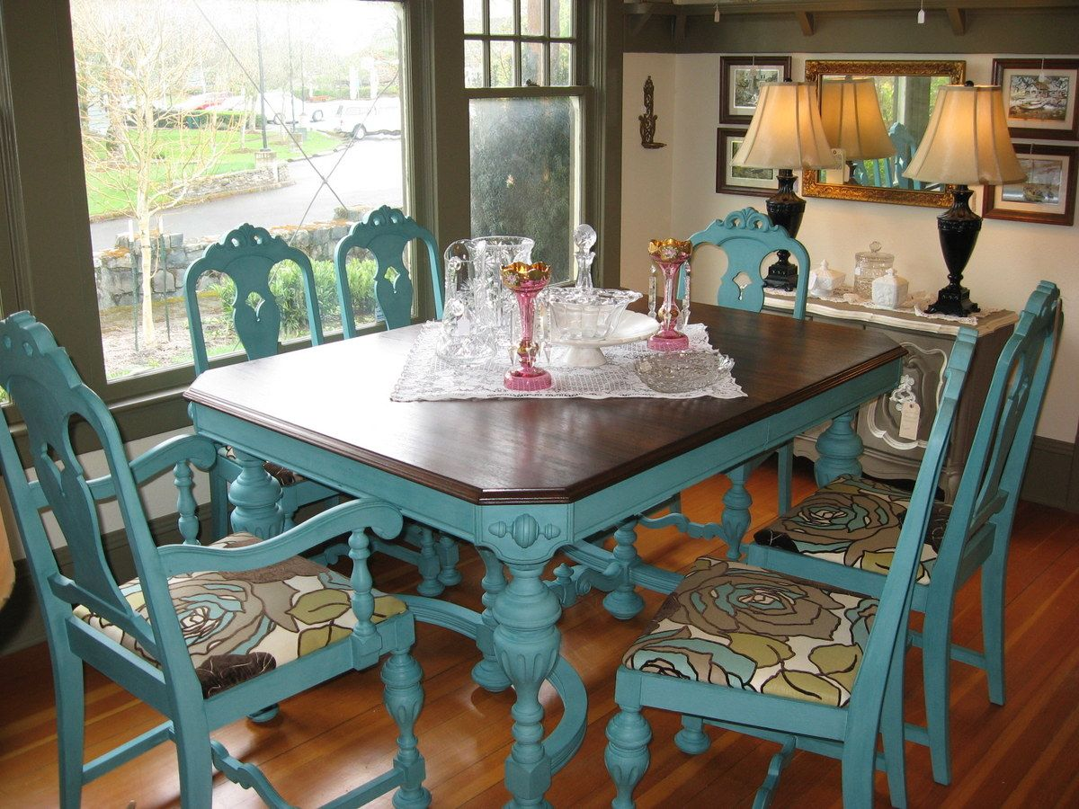 kitchen tables and chairs Great idea to give an old kitchen table or chairs a new look