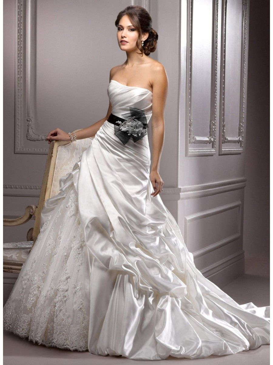 black lace wedding dress Vintage lace wedding dresses