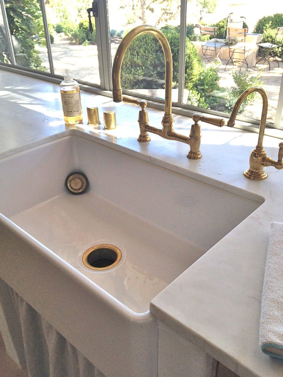 farmhouse faucet kitchen This one is the Reinhard single bowl fireclay farmhouse sink via Velvet Linen Patina Farm