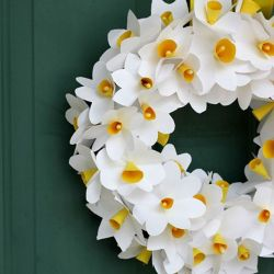 25 Spring Wreaths Perfect for Your Front Door Daffodils Wreaths