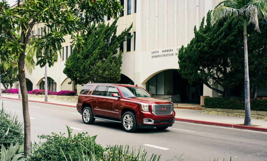 2016 GMC Yukon SLT Premium Edition Is Close  But No Denali     8 photos