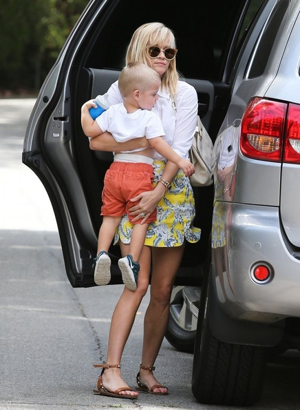 Reese Witherspoon Takes Tennessee to Baby Class in Her Toyota Sequia     Considering that the 2002    Sweet Home Alabama    movie was her biggest  commercial film success to date  fans can only expect her newest movie   that finds her