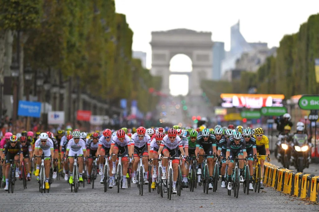 Roundtable  Did Tour de France 2018 live up to expectations     The sprinter s teams lined it out for the final few kilometers of the  stage  Photo Tim de Waele Getty Images