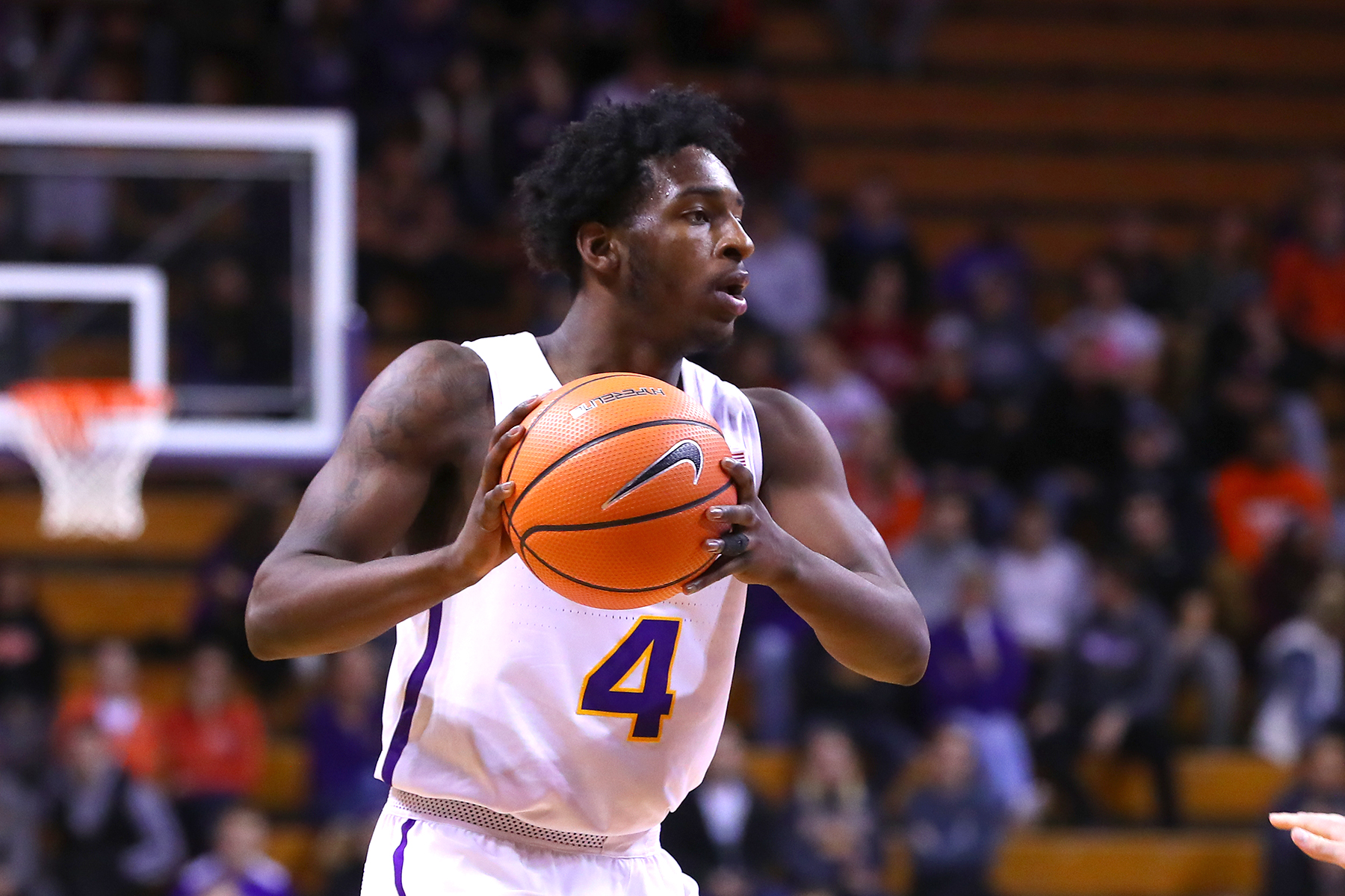 University of Northern Iowa Athletics   Tywhon Pickford   2017 18     Tywhon Pickford Photos