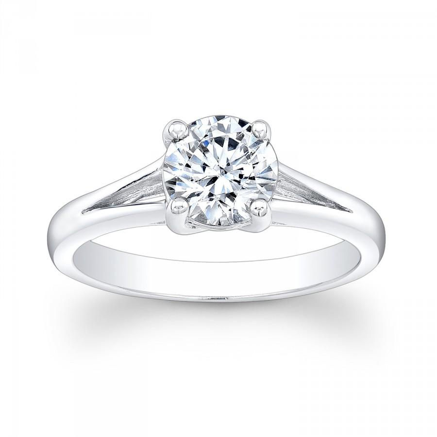 lets get a good white sapphire thread going my wedding band came in white sapphire wedding rings I wasn t looking for a diamond replacement or anything but I have to say they look pretty similar to the diamond in my e ring