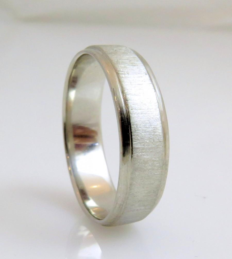 mens wedding rings modern mens wedding bands Mid weight Comfort Fit Wedding Band in Platinum 4mm