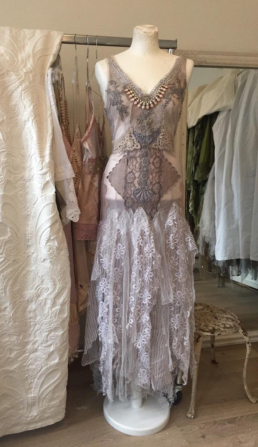 non corset a silhouette lavender wedding dress with a lace bodice lavender wedding dress MG MG MG MG MG MG MG