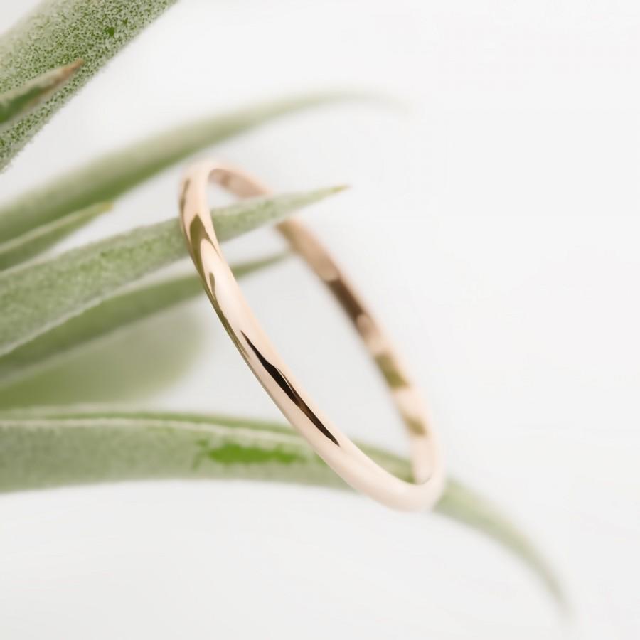 BLPQTA dainty wedding bands Amazon com 0 08 Carat ctw 10k Gold Round White Diamond Ladies Dainty Anniversary Wedding Band Stackable Ring Jewelry