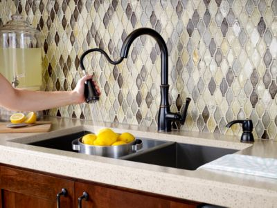 ct:r kitchen faucet bronze Tuscan Bronze Wheaton 1 Handle Pull Down Kitchen Faucet F