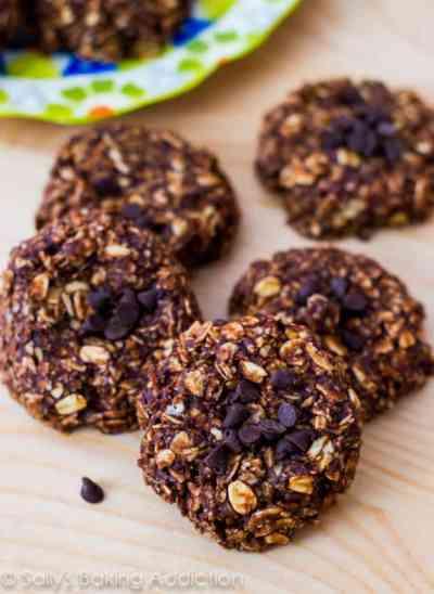 Homemade Chewy Fudge Granola Bars - Sallys Baking Addiction