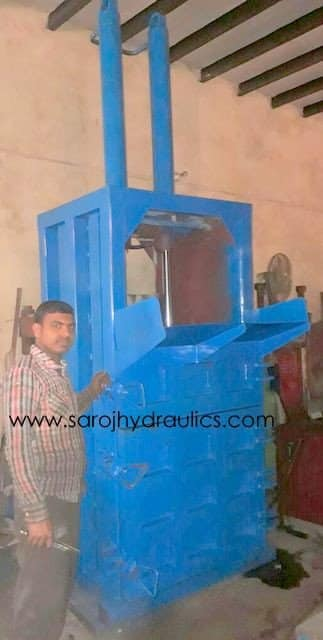HYDRAULIC PET BOTTLE BALING PRESS MACHINE