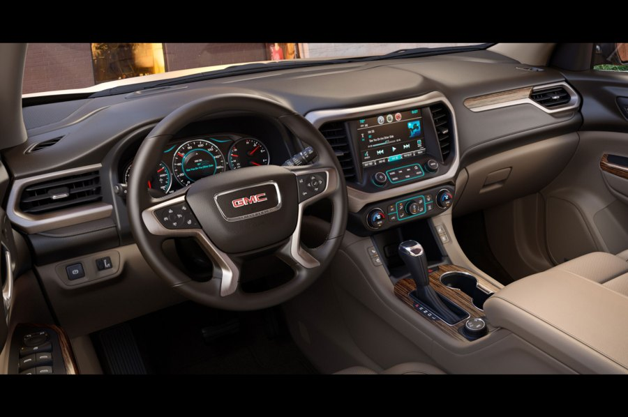 7 Things You Need to Know About The 2017 GMC Acadia 26 134