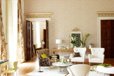 Beige wallpaper - Contemporary - Living Room