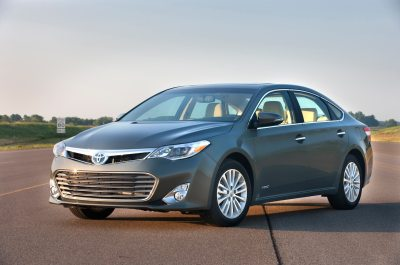 2015 Toyota Avalon Hybrid Reviews and Rating | Motor Trend
