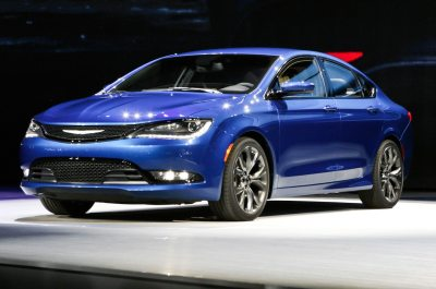 2015 Chrysler 200 Debuts At 2015 Detroit Auto Show - Motor Trend