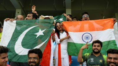 IND vs PAK ICC CWC 2019 at Manchester: Pakistan Fan Makes Royal Entry at Old Trafford Stadium on ...