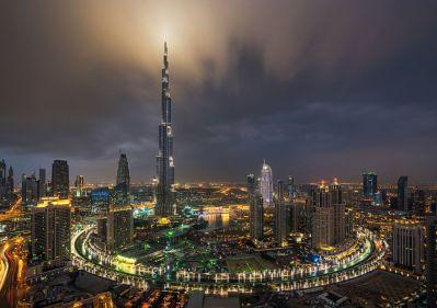 Night-Time Dubai Looks Like It Came Straight From A Sci-Fi Movie   Bored Panda