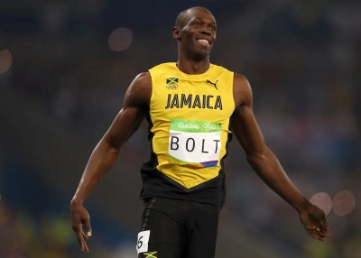 Usain Bolt wins 100m, becomes first sprinter to win the 100m in three straight Olympics ...