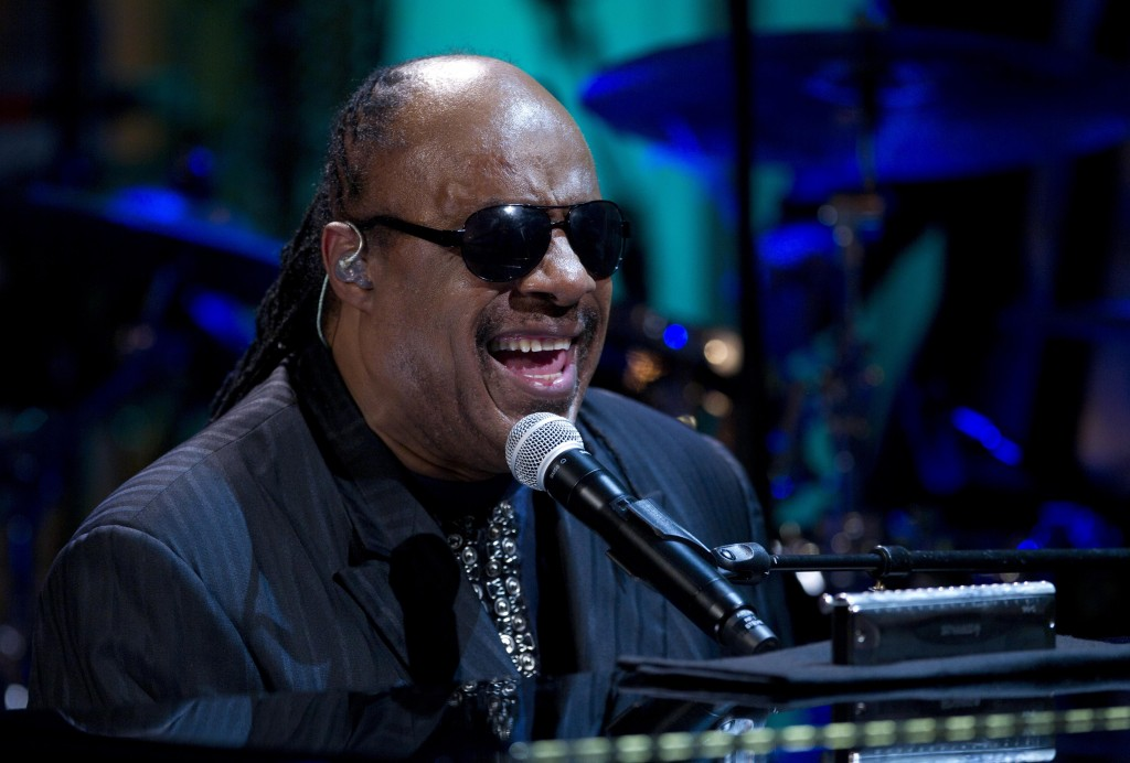 With  a heavy heart   Stevie Wonder pulls out of Friends of the IDF     Stevie Wonder performs at the White House in Washington in May 2012   photo  credit