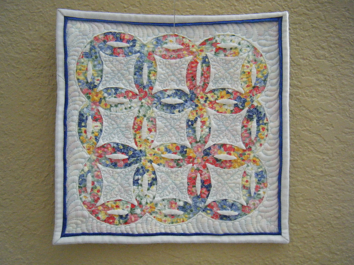 gallery wedding ring quilt pattern 9 Double Wedding Ring quilt