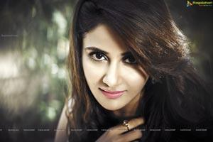 Parul Yadav HD Wallpapers