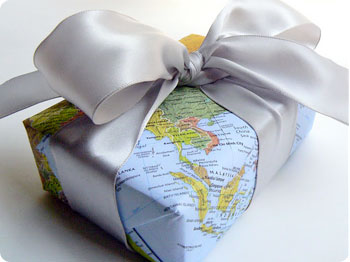 Creative and unique gift wrapping ideas The Gifted Blog Map Gift Wrap