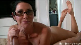 Butt3rflyforu – Mommy Needs A Facial