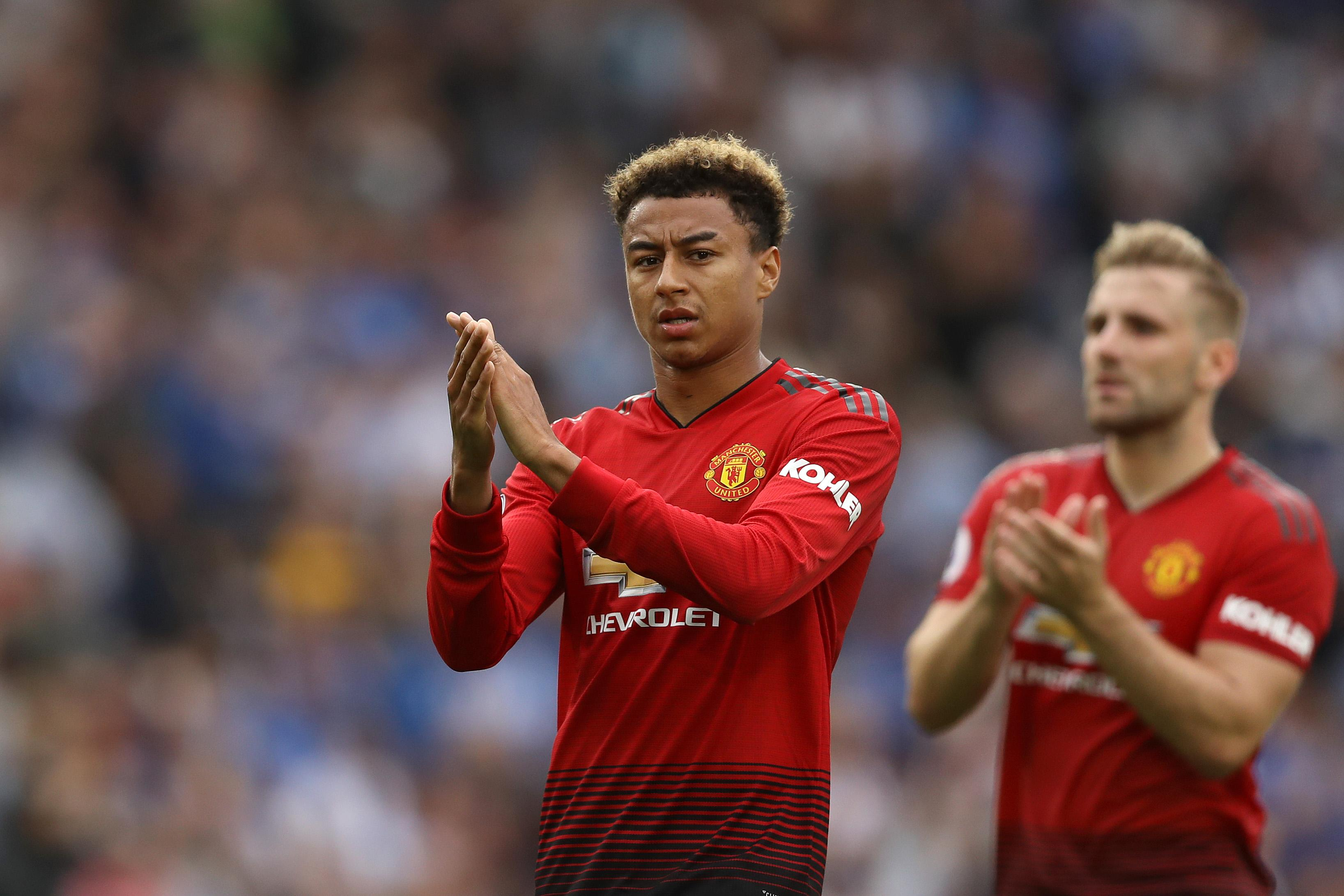 FIFA 19  Manchester United star Jesse Lingard demands stats upgrade     Jesse Lingard applauds fans after Manchester United s defeat to Brighton  this season