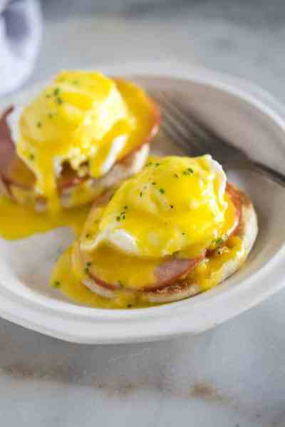 Eggs Benedict with Hollandaise Sauce - Tastes Better From Scratch