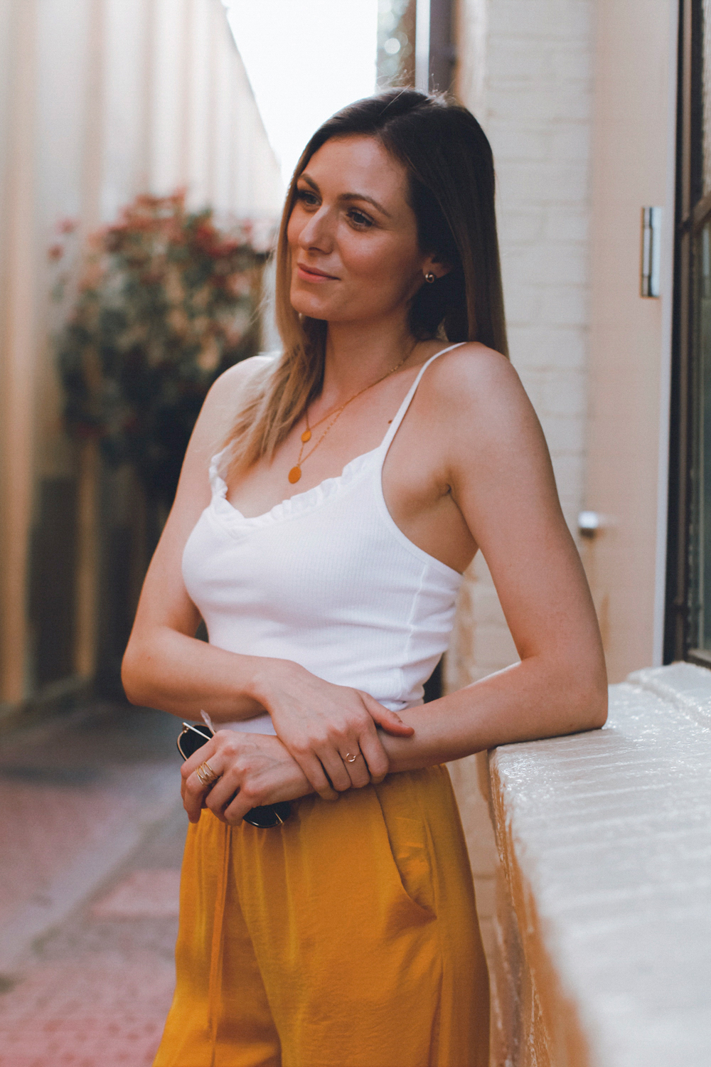Summer outfit in white and mustard