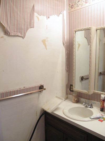 5 Tips for a Cheap DIY Bathroom - Thrift Diving Blog