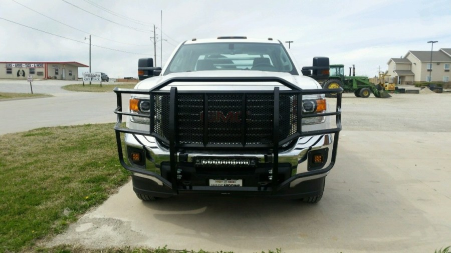 GMC 2500 3500 Grille Guard 2015    Thunder Struck Bumpers GMC 2500 3500 Grille Guard 2015
